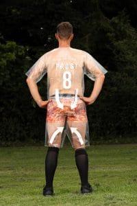 ข่าวฟุตบอลวันนี้ ทีเด็ดแมวเพชร เห็นยันขน!! เปิดชุดแข่งแบบใหม่แนวซีทรู